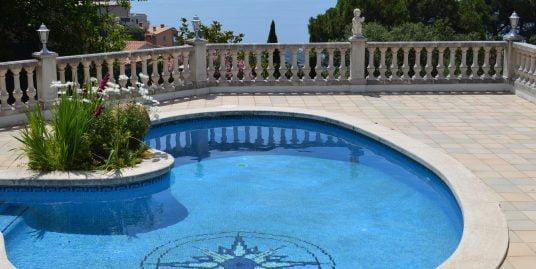 """Casa con vistas al mar """"Licencia turística"""""""