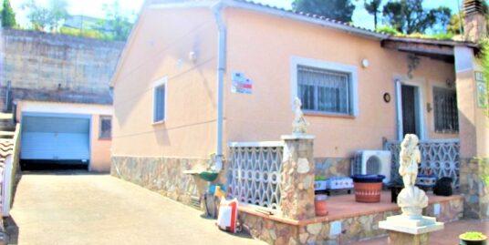 Casa cerca de la entrada.
