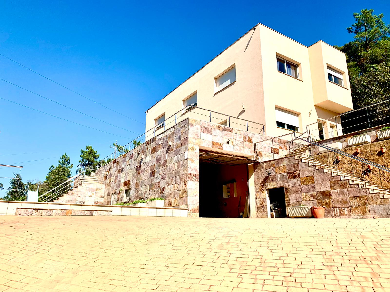 Casa con piscina en Serra Brava.